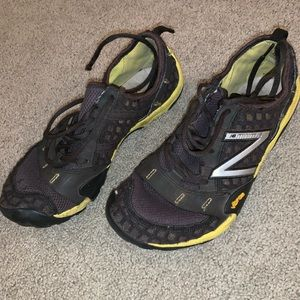 New Balance Minimus Yellow/Black size 8